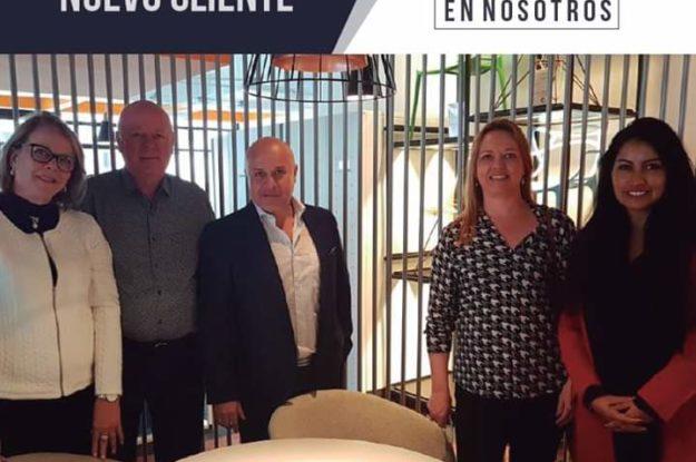 Lançamento de produto na Colombia com a empresa local Gisabad